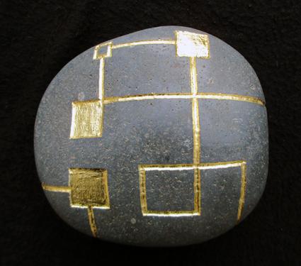 galet-artefact-or